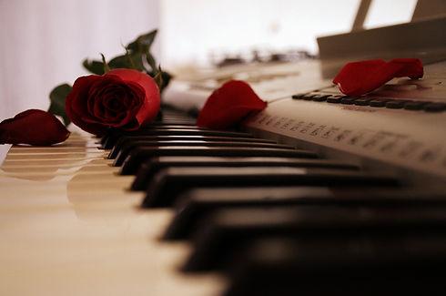 piano-2377603_1920.jpg