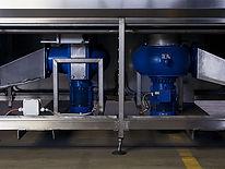 KLT- und Behälterreinigung. Die Reinigung von Mehrwegbehältern erhält durch die steigenden Sauberkeitsanforderungen in der Bauteilereinigung eine immer größere Bedeutung