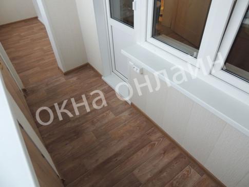 Обшивка-балкона-ПВХ-панелью-108.11.JPG