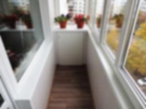 маленький-шкаф-на-балкон.jpg
