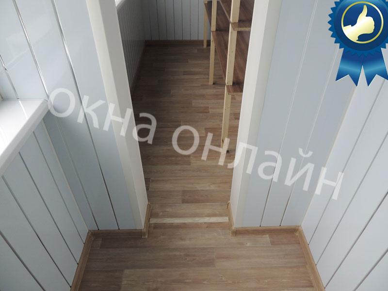 Обшивка-лоджии-ПВХ-панелью-49.11
