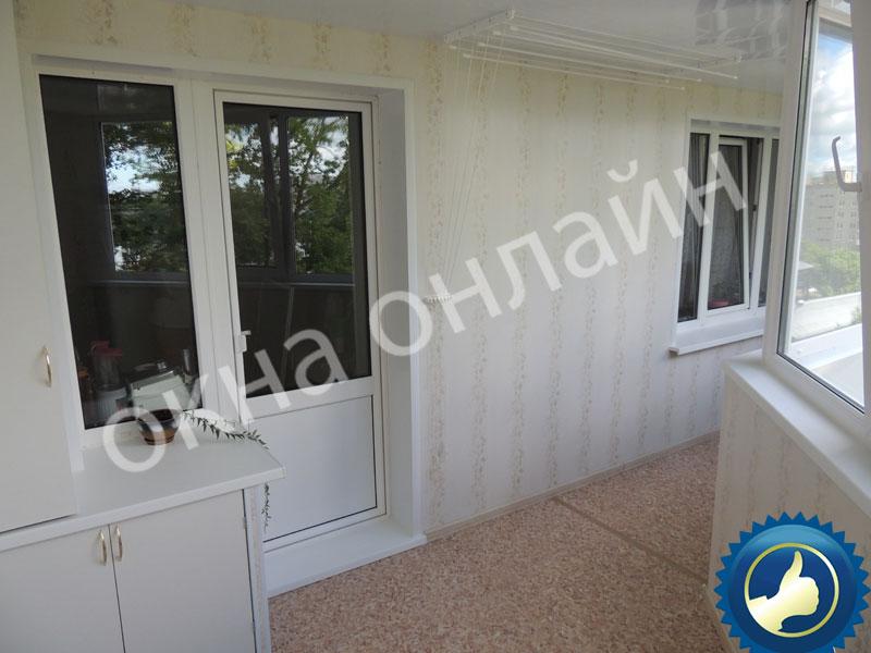 Обшивка-балкона-ПВХ-панелью-44.12