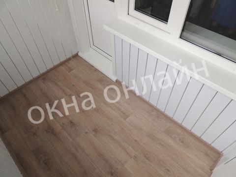 Обшивка-лоджии-ПВХ-панелью-103.8.JPG