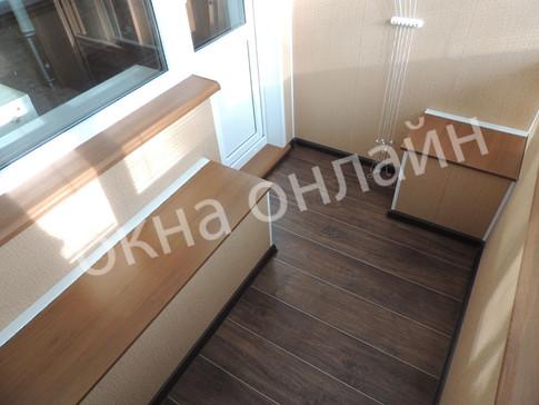 Обшивка-балкона-ПВХ-панелью-108.6.JPG