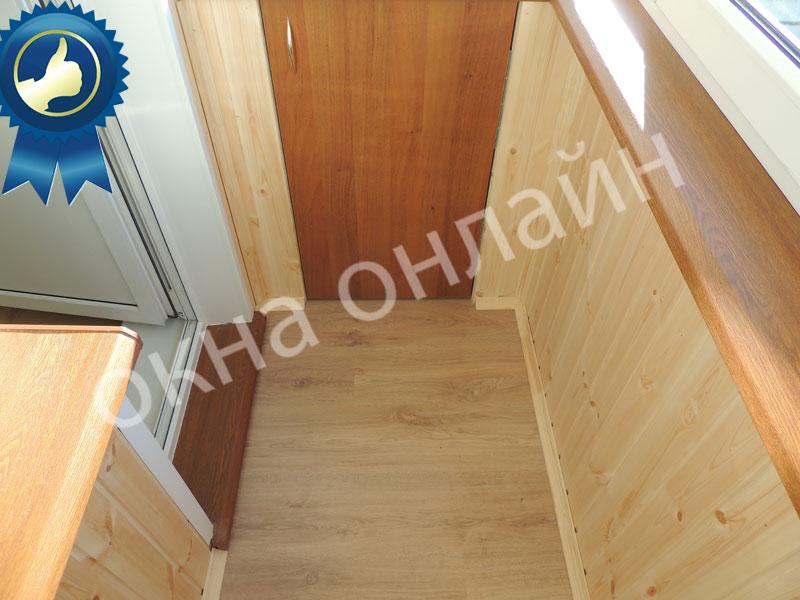 Обшивка-балкона-евровагонкой-43.4