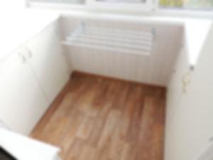 Шкафы-по-бокам-лоджии.jpg