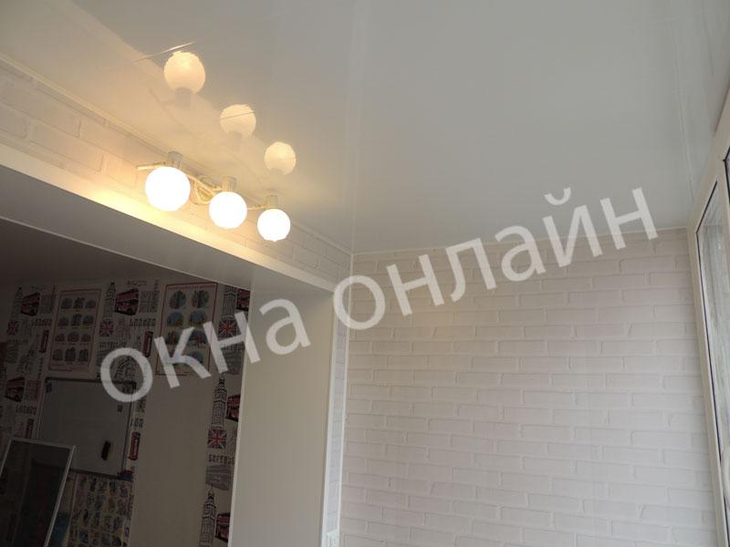 Обшивка-лоджии-ПВХ-панелью-75.8