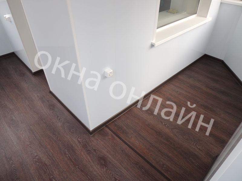 Обшивка-лоджии-ПВХ-панелью-88