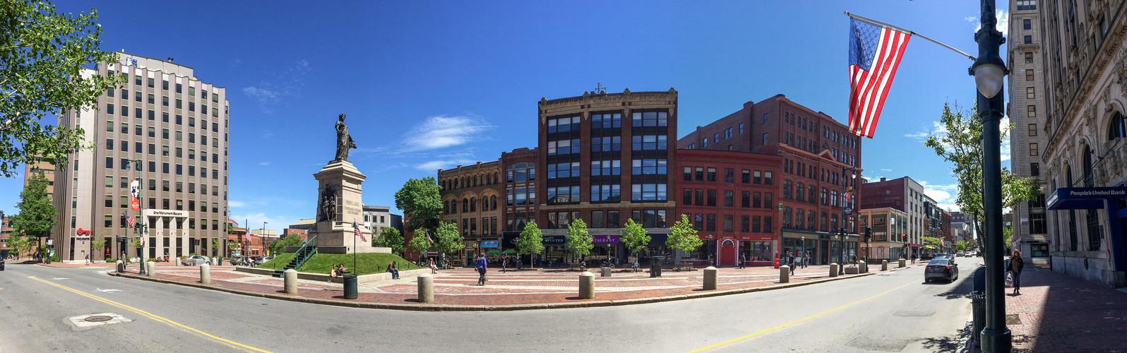 Monument_Square_panorama,_Portland_Maine