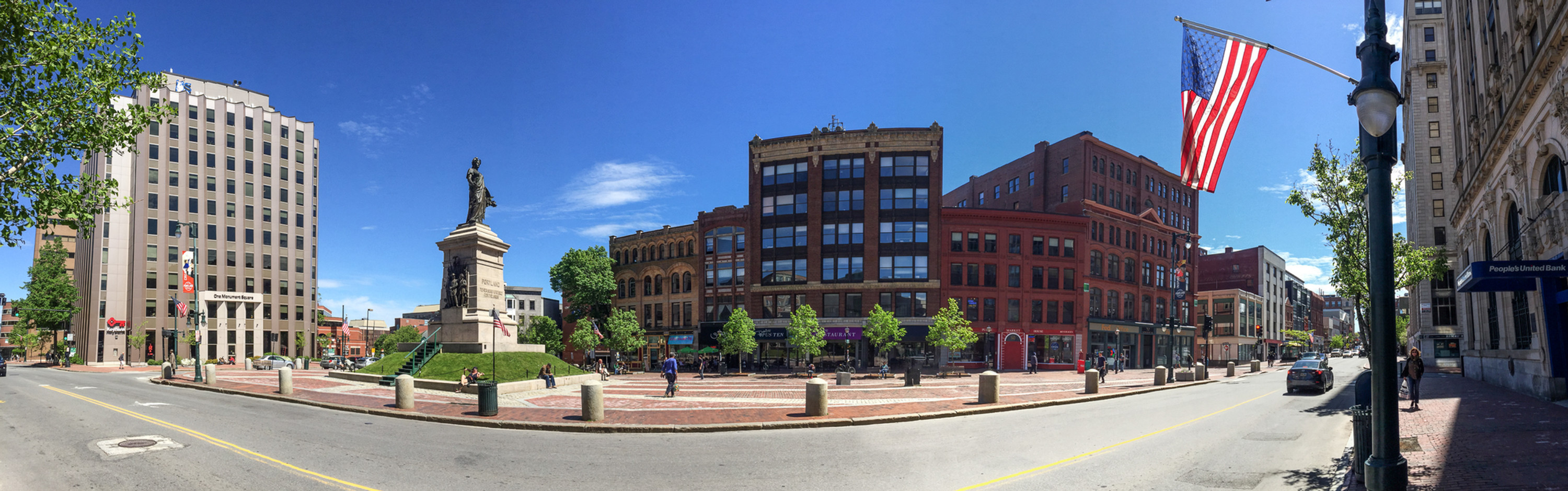 Monument_Square_panorama,_Portland_Maine