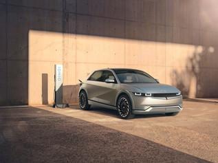 Το Hyundai IONIQ 5 επαναπροσδιορίζει την ηλεκτροκίνηση!