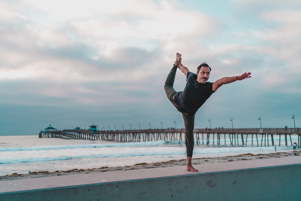 Jano Galindo Yoga_Reach Out.jpg