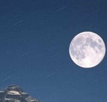 Full Moon meditation in nature