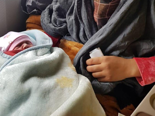 Refugees win babies during their flight from Afghanistan