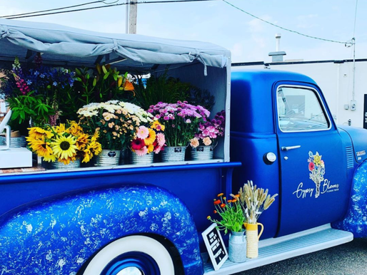 A Canadian buys up entire flower stock to offer to seniors