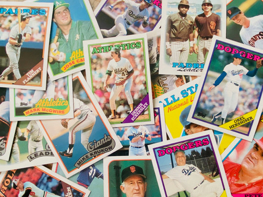 Man gives 25 thousand baseball cards to young girl who lost her collection in a fire