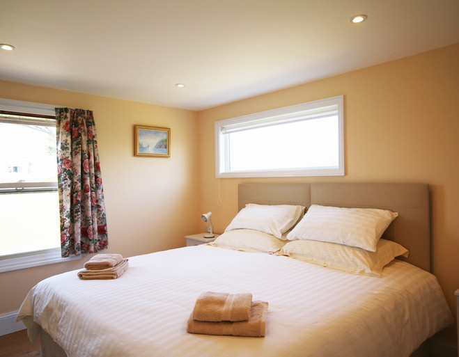 Bedroom with Super King or Twin