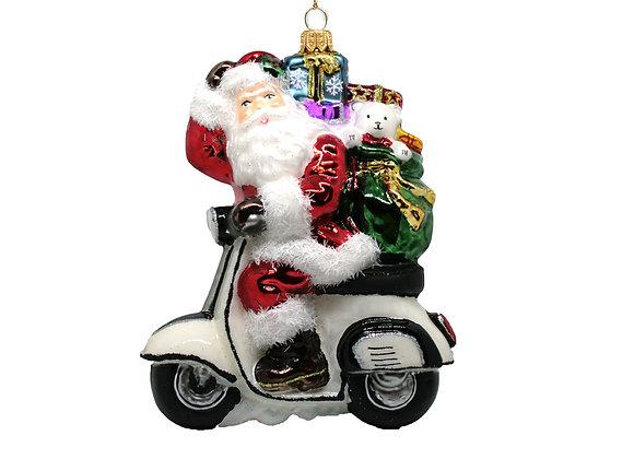 Babbo su Vespa / Santa on Vespa