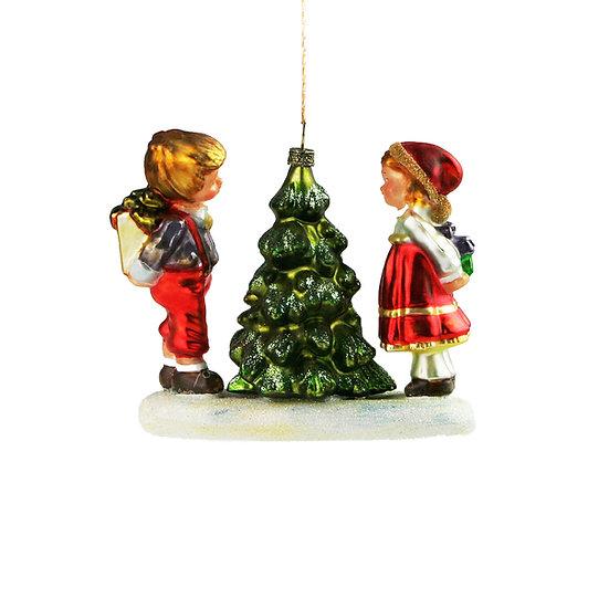 Bimbi albero / Children by a little tree