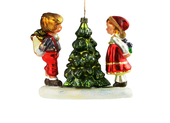 Bimbi albero / Children by a little tree