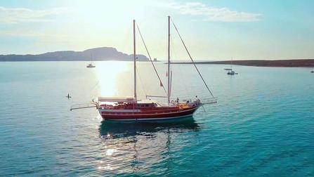 gulet-charter-victoria-1.jpeg