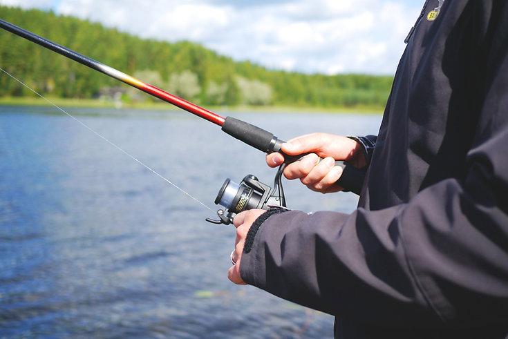 fishing-894793_1920.jpg