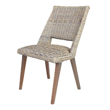 Chaise repas rotin.png