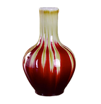Vase rouge bordeaux.png