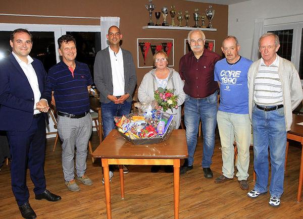 HV FC Altburg neuer  alter Vorsitzender u. Ehrenmitglieder.JPG.jpg