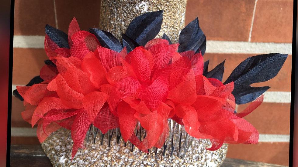tocado flor organza y hojas seda salvaje.