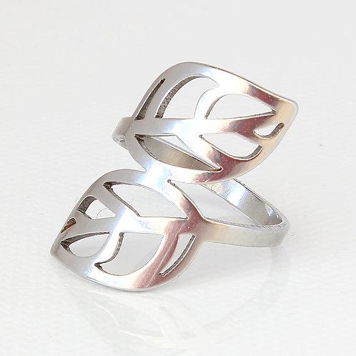 Double Leaf Biker Ring
