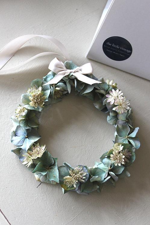 Hydrangea & Astrantia Miniature Wreath