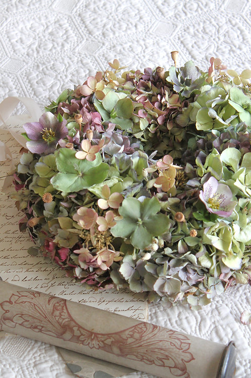 Hellebore Bloomer Wreath (Large)