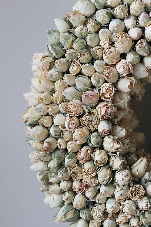 Ring of Roses (Ivory Blush)