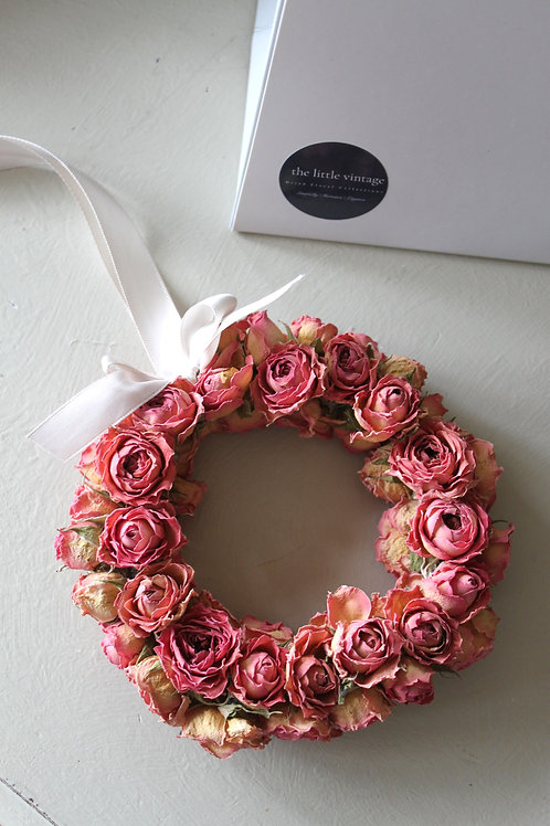 Rose bud Miniature wreath