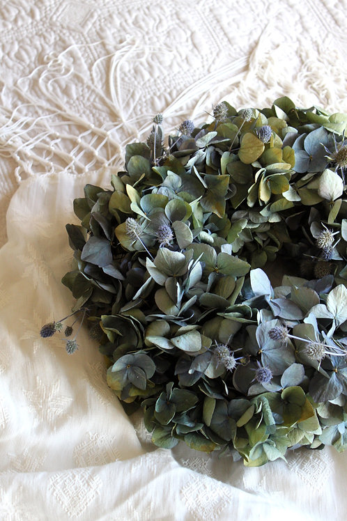 Blue Hydrangea Bloomer with Eryngium (Large)