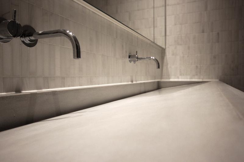 Ramp style sink