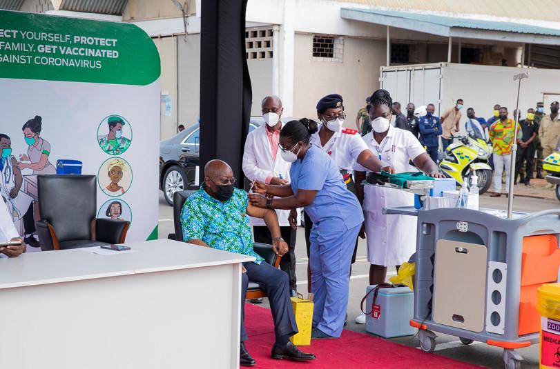 Ghana President Taking Vaccine.jpg