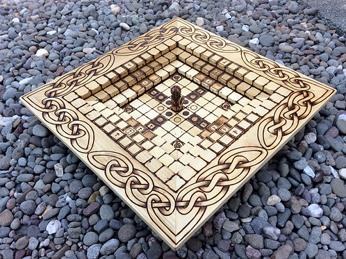 Tafl Arena - four hnefatafl game variants in an innovative stacked format