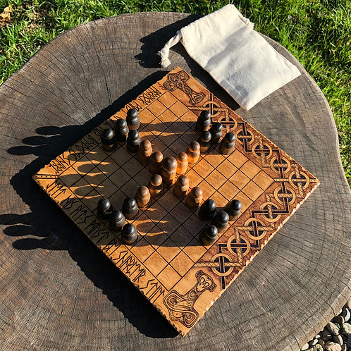 Portable Tafl - a compact & convenient way to play Hnefatafl on the go!