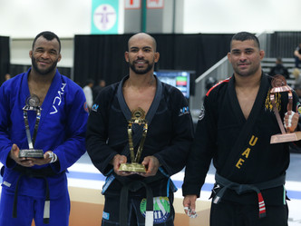 Abu Dhabi King of Mats: Erberth Santos reigns in Los Angeles to secure a chance to challenge Alex Tr