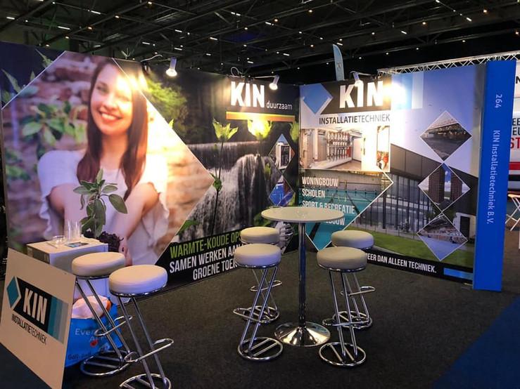 Banner KIN Installatie