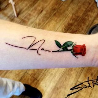 Rose for nan.jpg