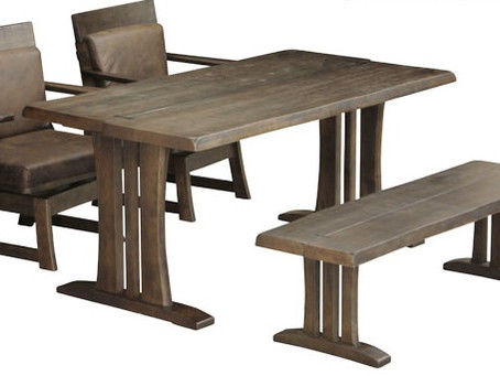 how about a Japanese-style dining set for dining?