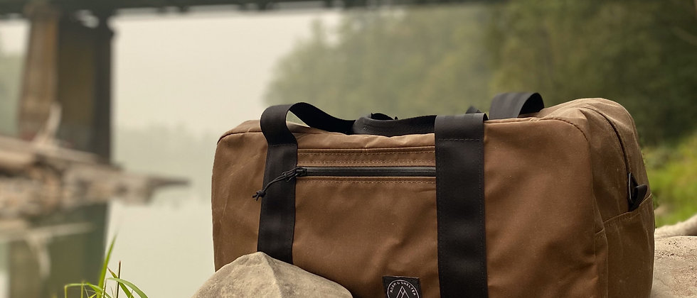 Medium Traveler Duffle by Roam & Shelter