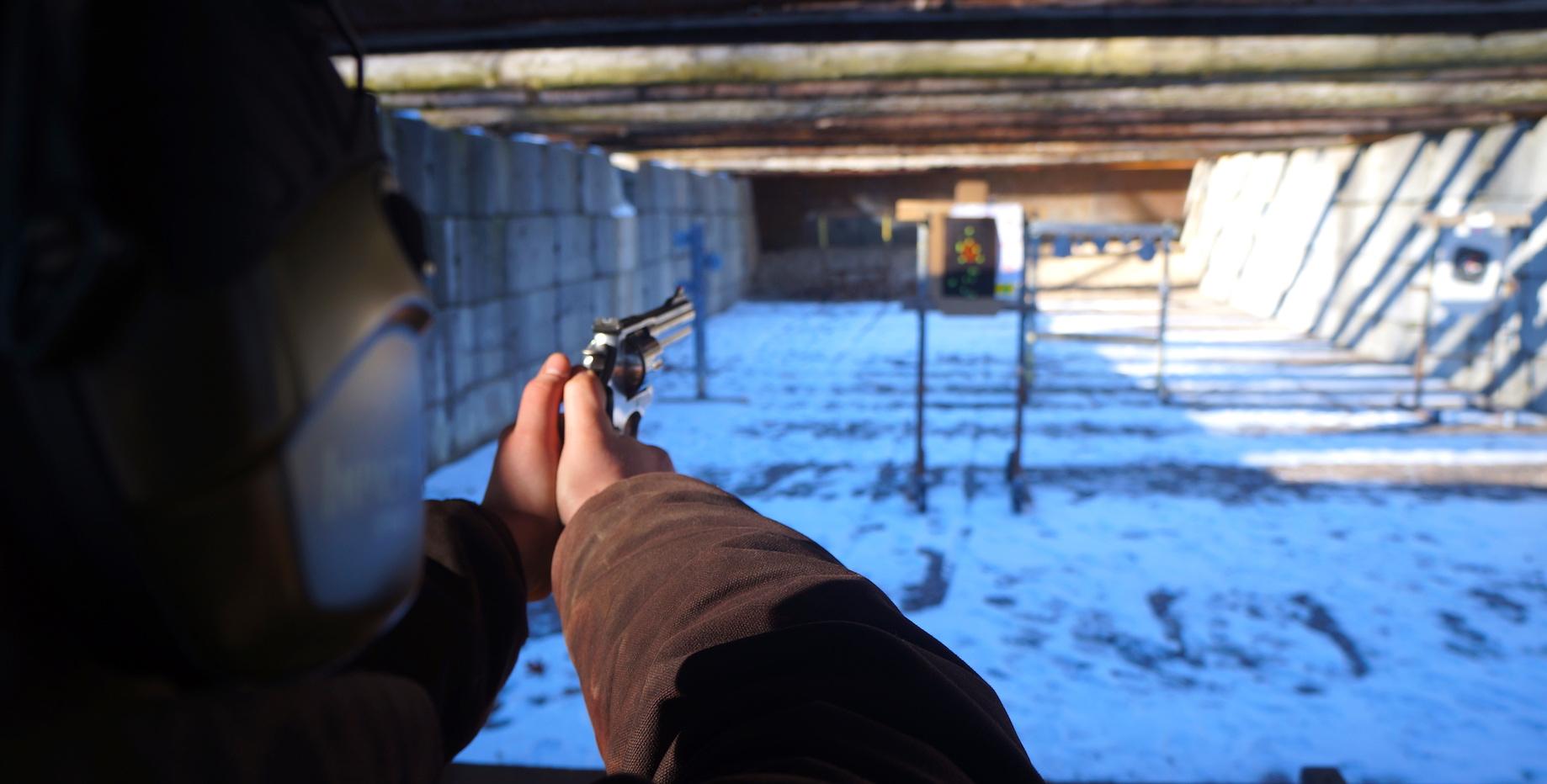 pistol 004