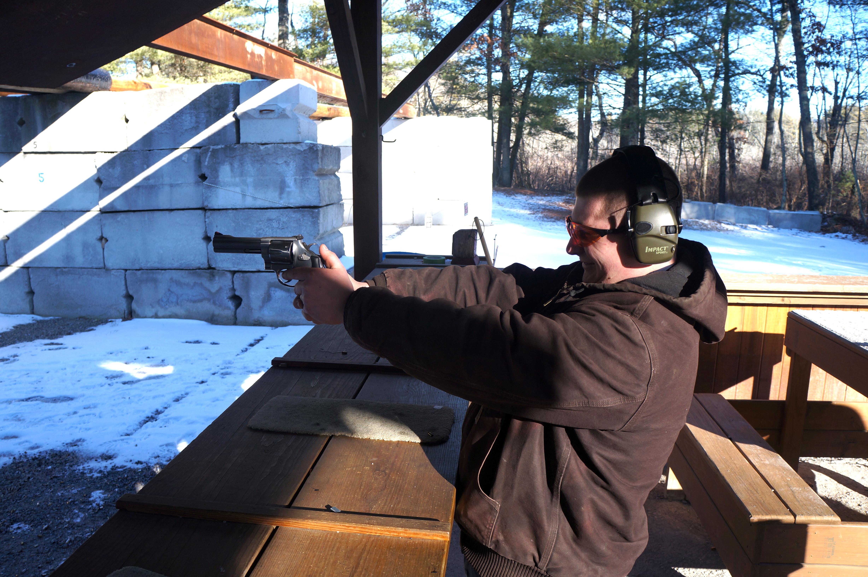 pistol 001