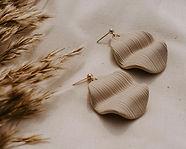 waved-earrings-beige-2-web.jpg