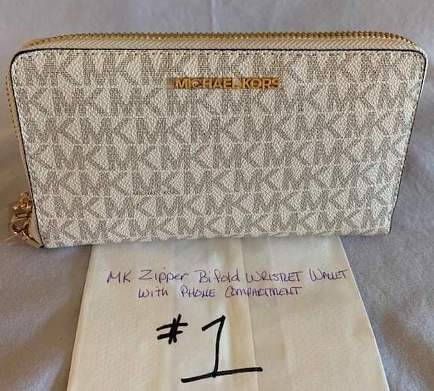 #1 Michael Kors Wallet
