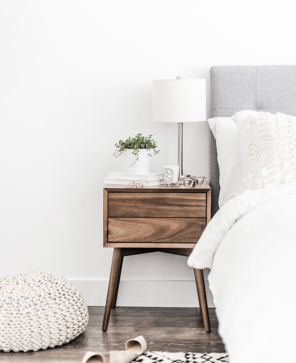 Simplify your bedroom Blog Post | Declutter and Organise your Bedroom